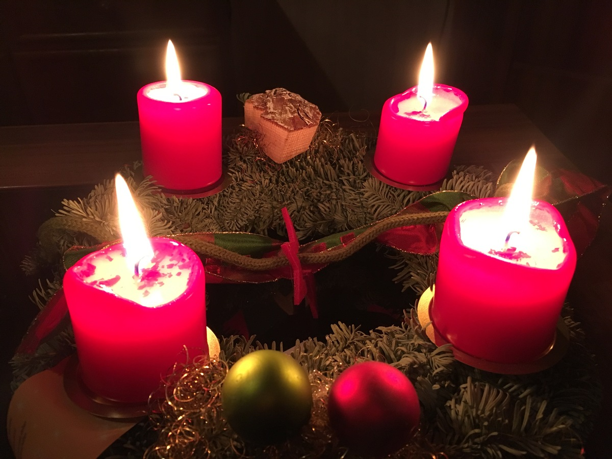 Advent wreath and greetings by www.Cosirex.com