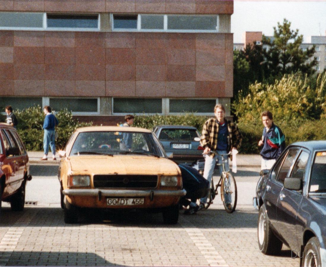 Parkplatz IKS - Rüsselsheim - Opel Rekord