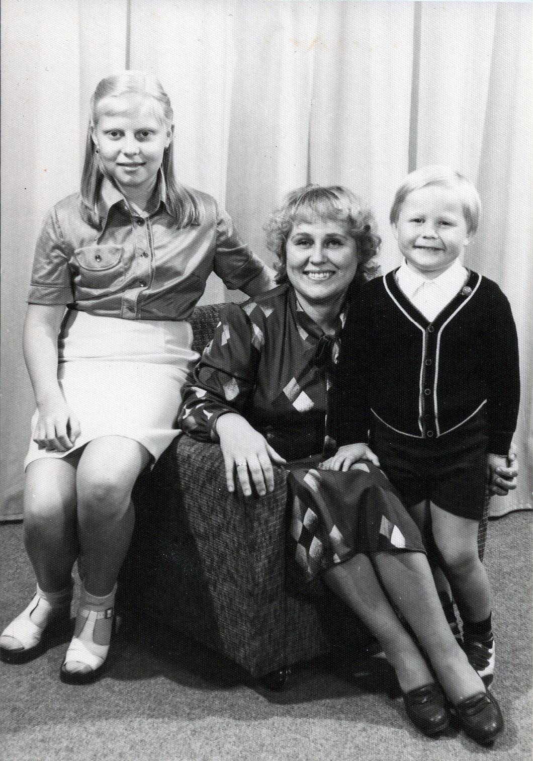 Katarzyna Dondalska mit Mutter und Bruder