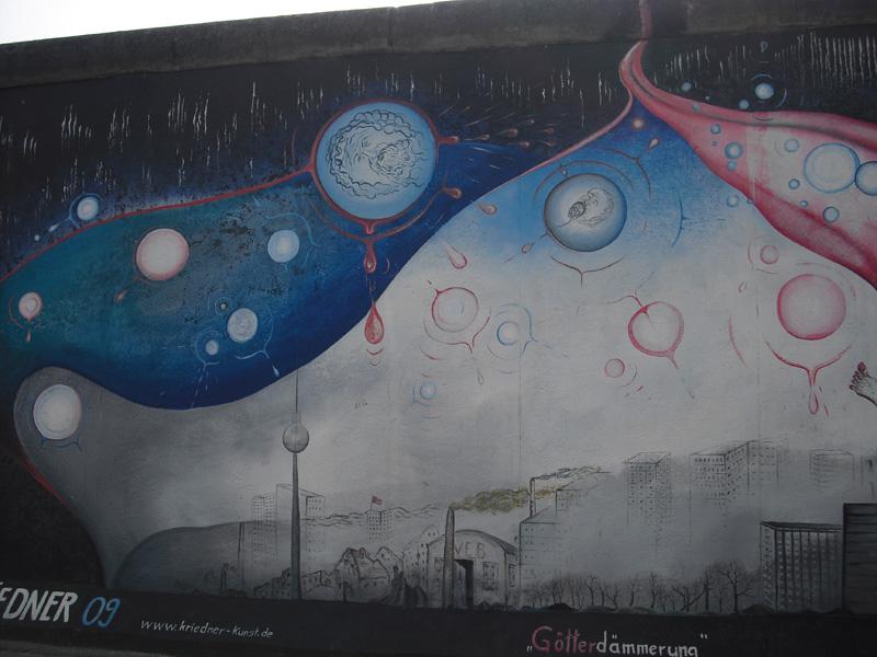 East Side Gallery - Berlin - Graffitis - Götterdämmerung