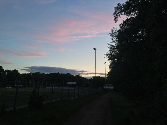 Sportplatz Alemannia Königstädten - Dämmerung