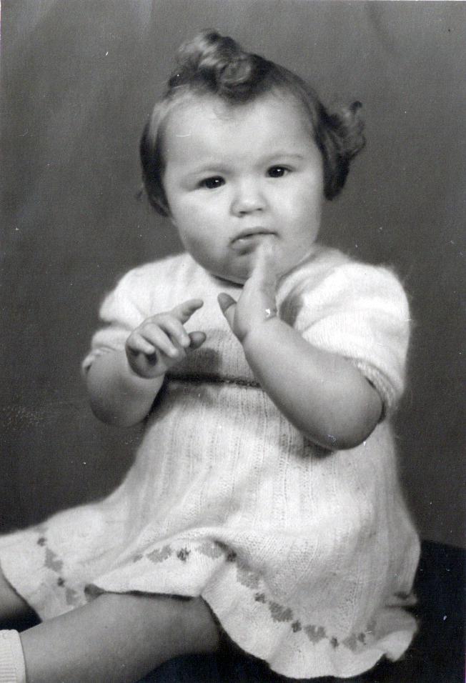 Brigitte Friedrich als süßes Baby 1947 in Königstädten