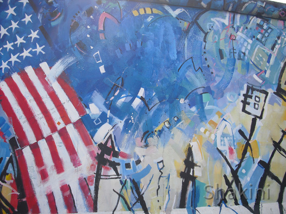 East Side Gallery - Berlin - Graffitis - Stars and Stripes