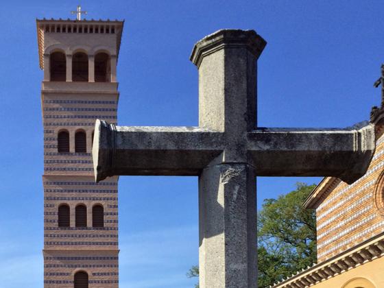 Kreuz - Glockenturm - Heilandskirche am Port von Sacrow - Potsdam