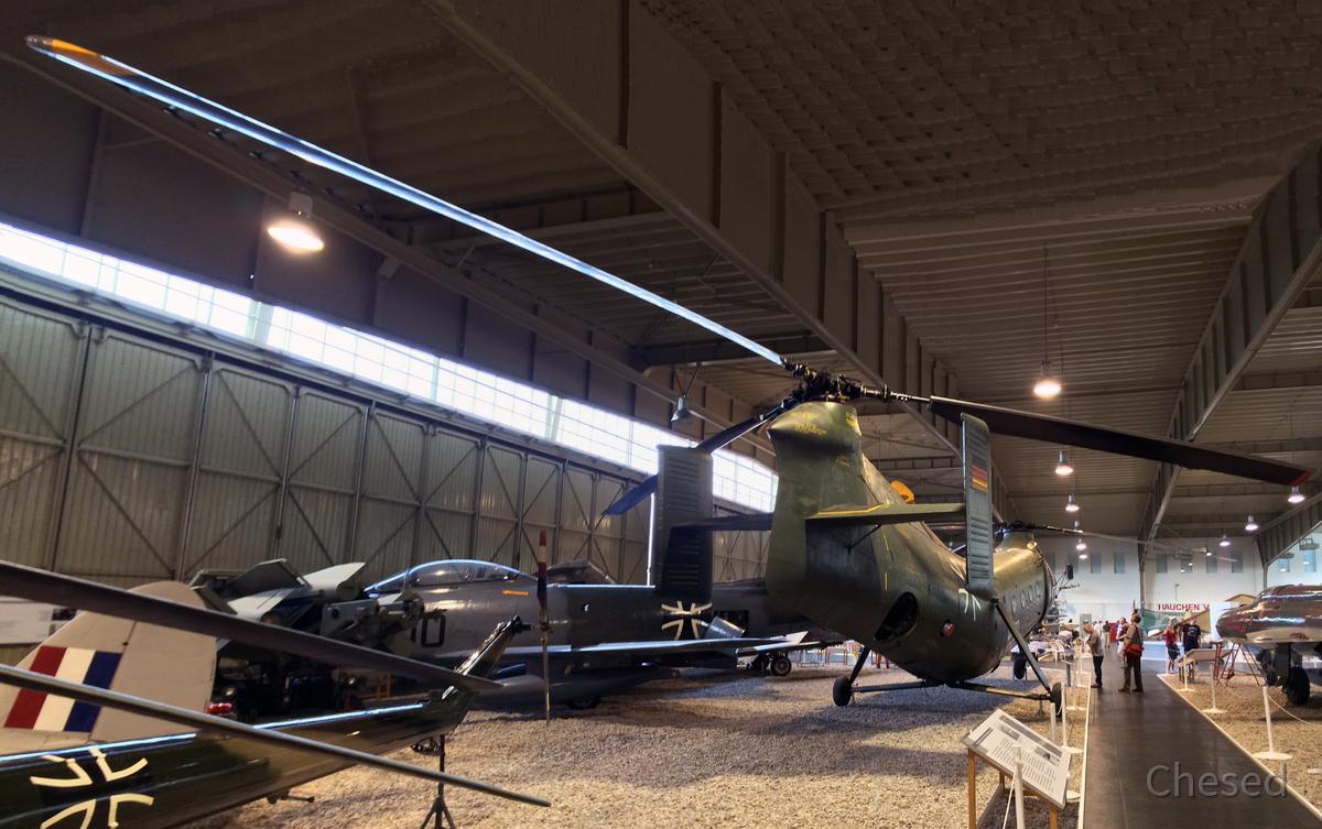Doppelrotor-Helikopter - Boeing-Vertol H-21 C