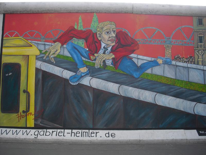 East Side Gallery - Berlin - Graffitis - Mauerspringer