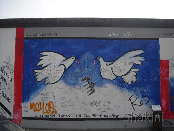 East Side Gallery - Berlin - Graffitis - Friedenstauben