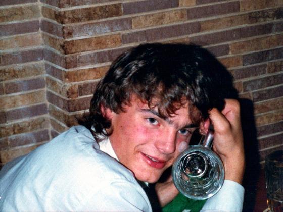Bier-Party - Berlin - 1988 - Oli S. zeigt was er will