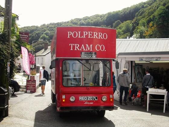 Cornwall - Polperro Busstation und Parkplatz