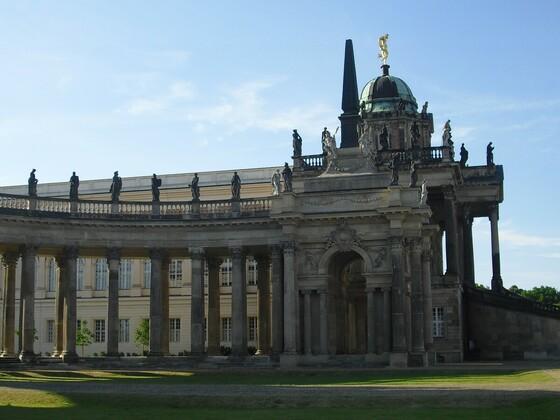 Kolonade und Communs am Neuen Palais
