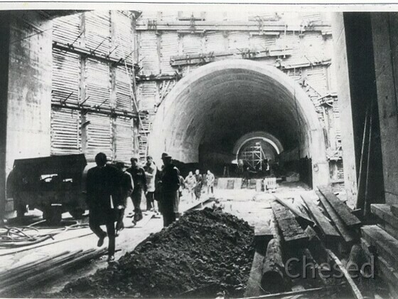 Frankfurt Flughafen – S-Bahntunnelbau unter Autobahn A3 – 1970-1971