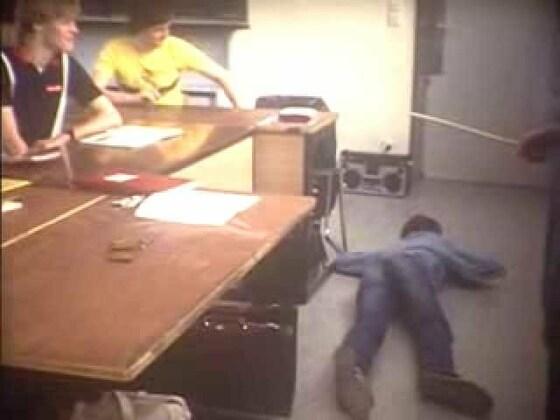 La clase 8f2 - Estudiantes contra Profesores - Bomba atómica - 1982