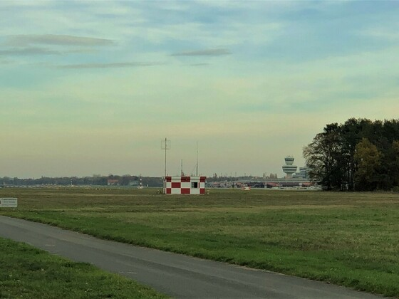 Flughafen Tegel-Landebahn