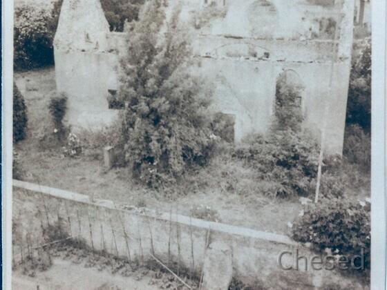 Ruine der Evangelischen Kirche in Rüsselsheim-Königstädten 1951