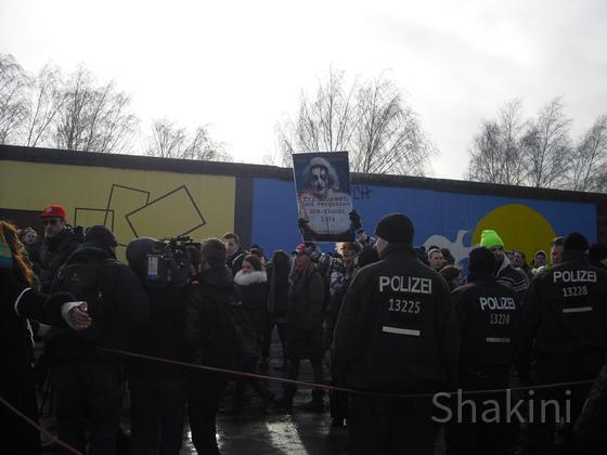 Demonstration gegen den Abriss von der East Side Galerie