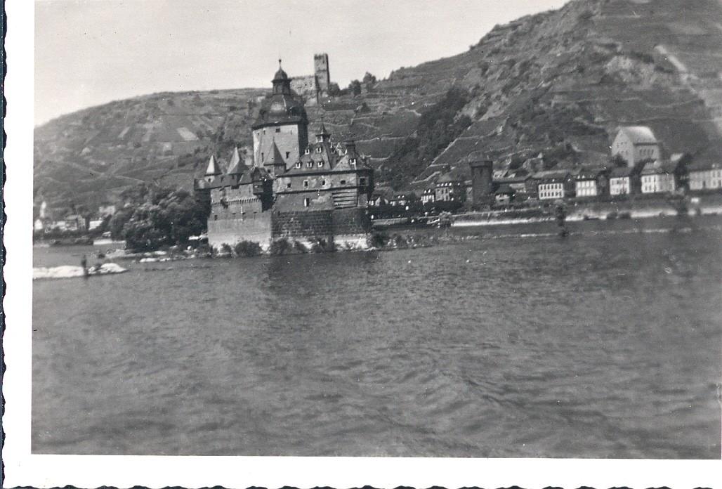Ausflug auf dem Rhein - Zwei unbekannte Burgen