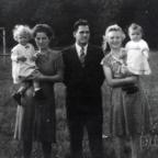 1947 - Spaziergang am Sportheim Alemannia - Familie Grünewald und Familie Friedrich