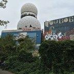 Berlin - Teufelsberg - Field Station - Zwei Radoms - Two Radomes