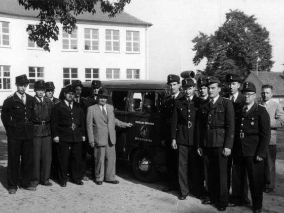 Feuerwehr Königstädten - 25-jähriges Jubiläum 1955 - Neues VW-Löschfahrzeug
