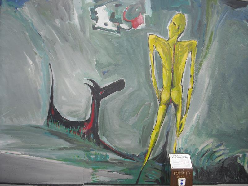 East Side Gallery - Berlin - Graffitis - Gelber Mann mit Hund