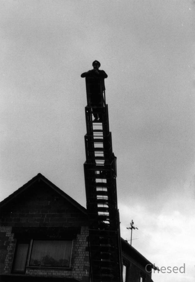 Feuerwehr Königstädten - Walter Helfenbein - Fotoshooting von Feuerwehrleiter - 1970
