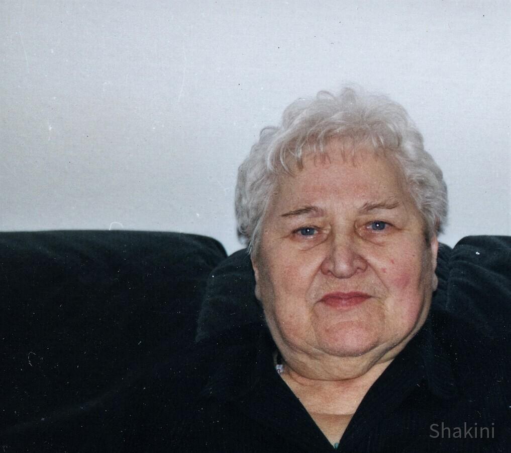 Mutter (geb.am 18.02.27 -   † 20.05.2013)