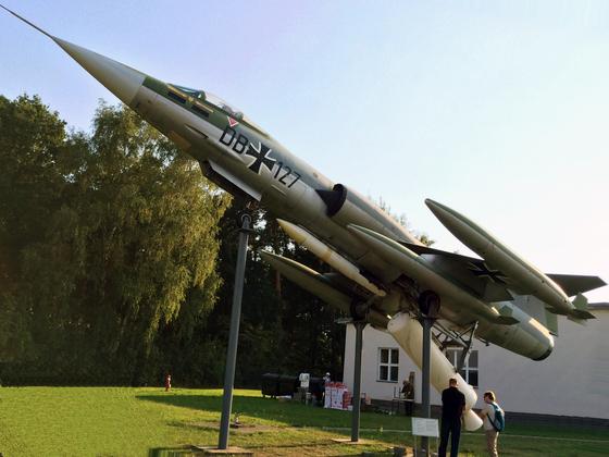 Lockheed F-104G ZELL - Turbobooster Rocket