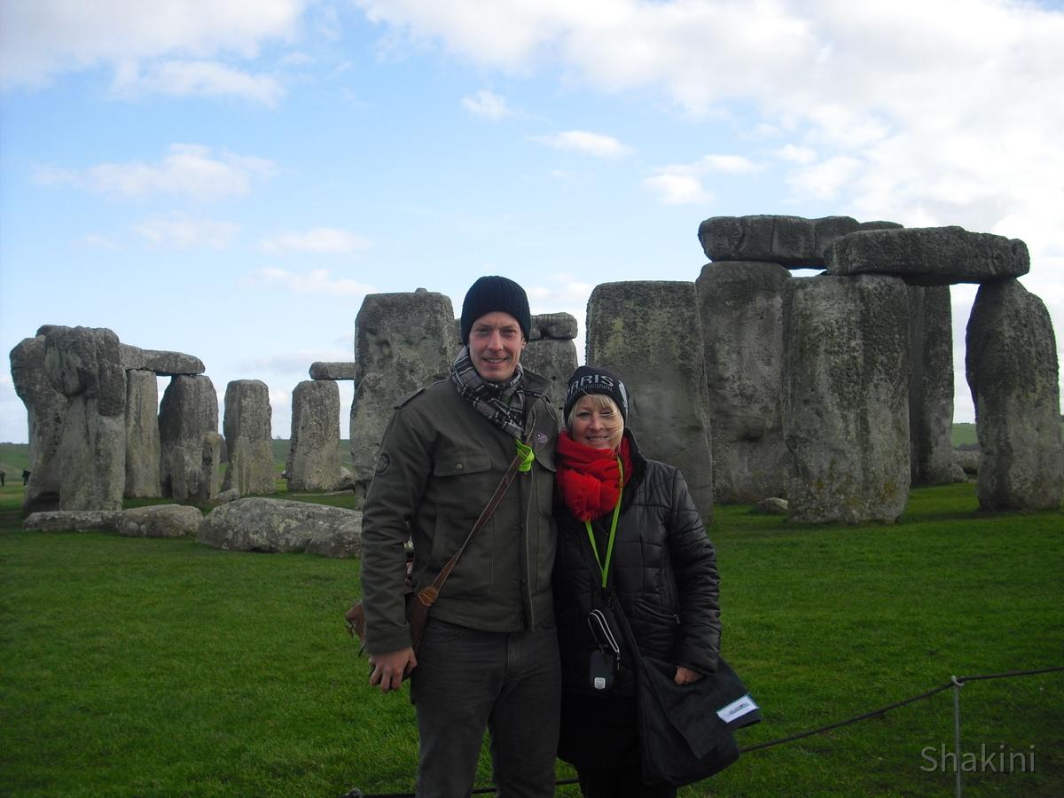Stonehenge - Zeitreisende mit Sohn