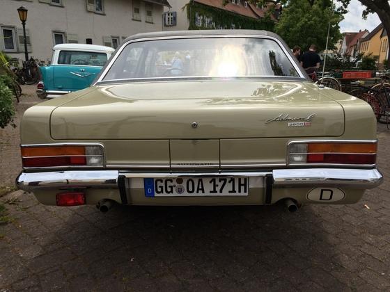 Opel Admiral 2800 S Automatik Heckansicht