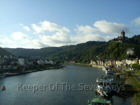 Rhein mit Burg in der Nähe von Koblenz