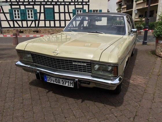 Opel Admiral 2800 S Automatik Front-Fahrerseite