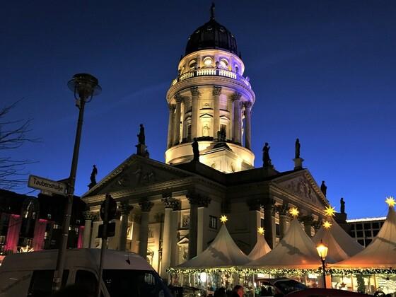 Weihnachtsmarkt am Gendarmenmarkt - Deutscher Dom