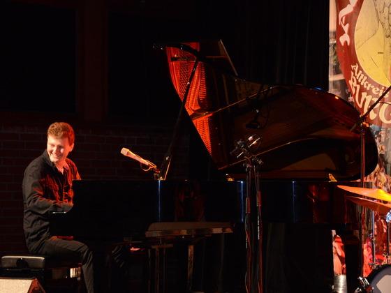 Jazz Pianist Dan Popek 🎹 Live on stage
