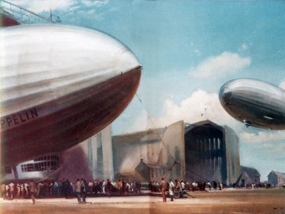 Zeppelin Hindenburg LZ 129 + LZ 129 - Friedrichshafen 1936