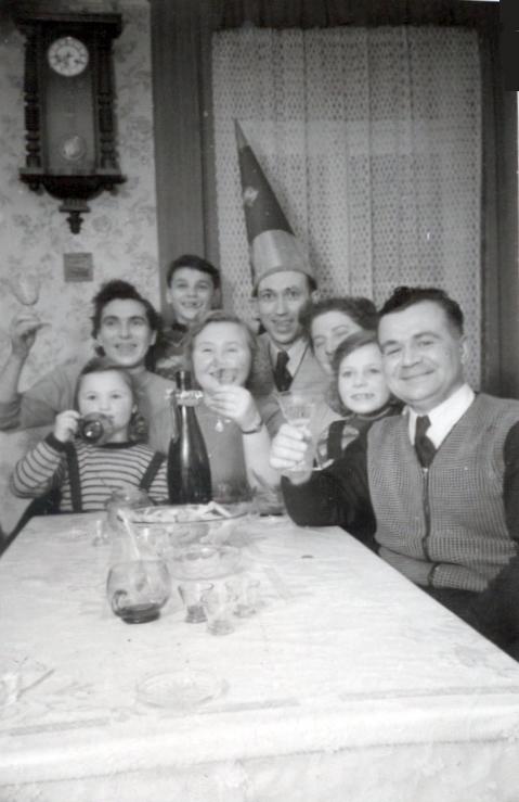 Einschulungsfeier 1953 - Familie Friedrich - Familie Grünewald und Freunde