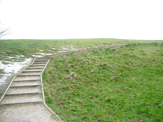 Avebury - Äußerer Steinkreis als Treppe