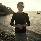 Pianist Dan Popek 🏝️ Sonne, Strand und See
