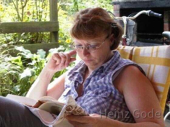 Angelika beim Lesen