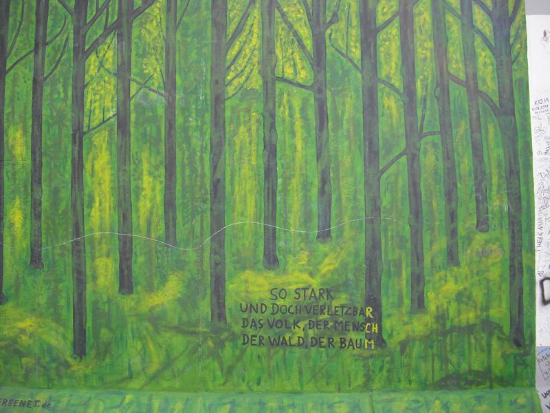 East Side Gallery - Berlin - Graffitis - Grüner Wald