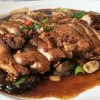 Knusprig gebackene Ente (paniert)mit Champignons, Morcheln und TonGu-Pilzen