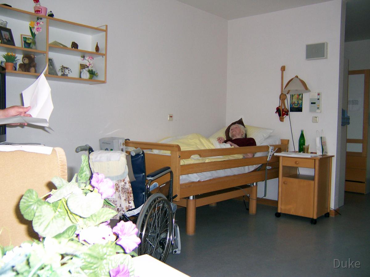 Oma Hedwig Wernecke geb. Wloch - Martin-Niemöller-Haus - Rüsselsheim