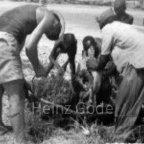 Heinz Gode in Afrika - Wasserpumpe