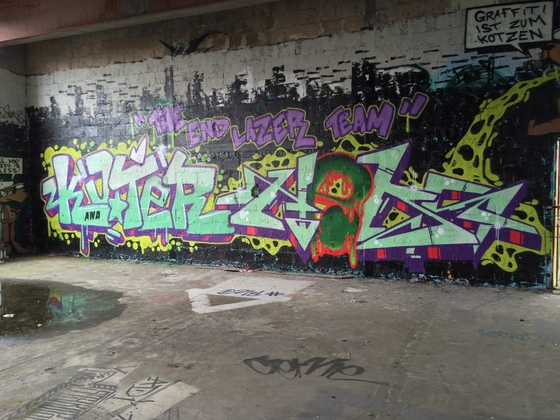 Berlin - Teufelsberg - Graffiti - Skater Lazer