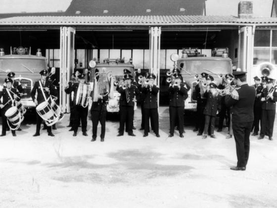 Freiwillige Feuerwehr Königstädten - Fanfarenzug - Feuerwehrgerätehaus 1970