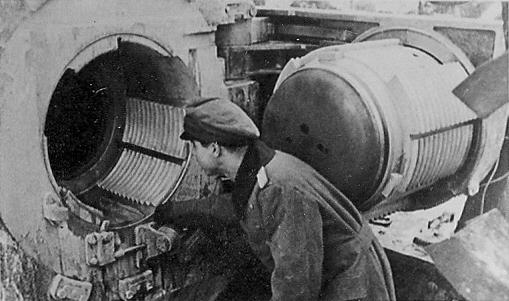 Deutsche Mörser Kanone vor Leningrad - 1942 - Gigantischer Mörser-Verschluss