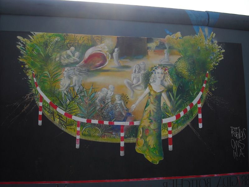 East Side Gallery - Berlin - Graffitis - Urmenschen - Waldfrau - Waldmann