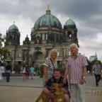Berliner Dom und Fernsehturm - 2013 - Gruppenfoto mit Samson
